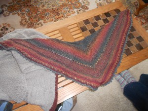 I made a scarf similar to this in a solid color.
